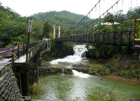 十分爆布近くの吊り橋