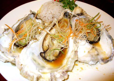 蒸し牡蠣のブラックソース