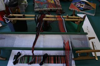 布を織る 粗筬通し