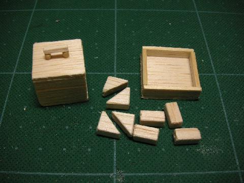 救急箱と積み木1