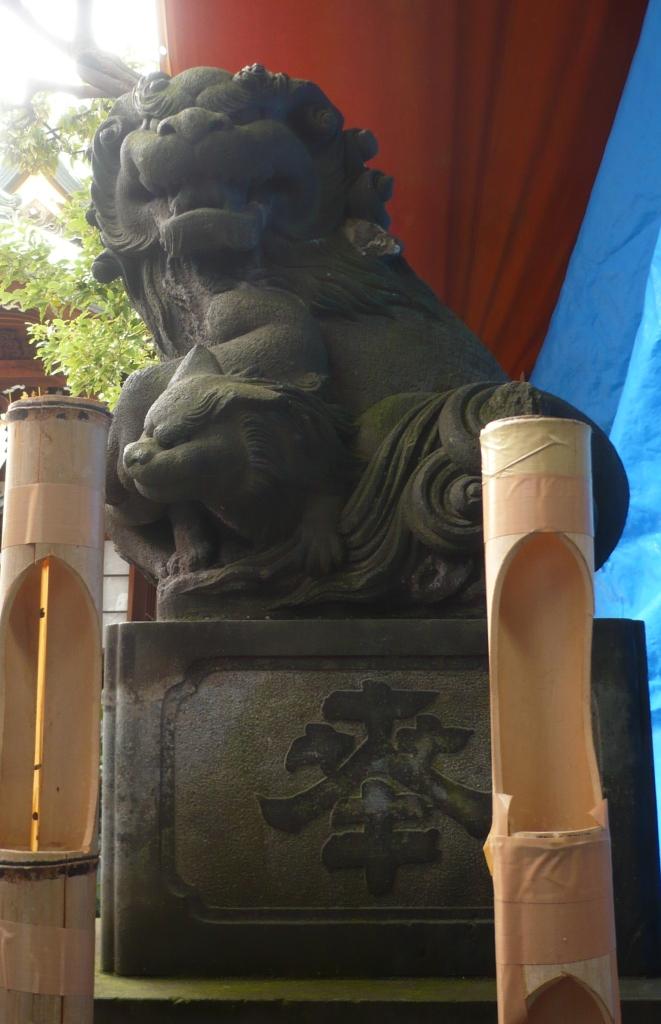 大鳥神社の狛犬