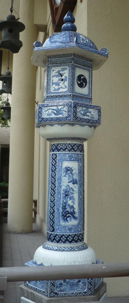 陶器の灯籠
