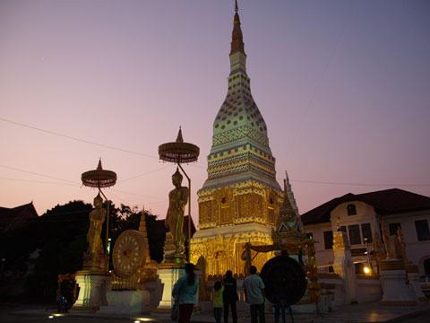 お寺のライトアップ