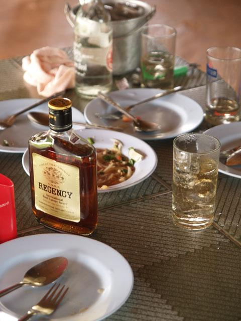 食堂のウイスキーと照れ屋の教師