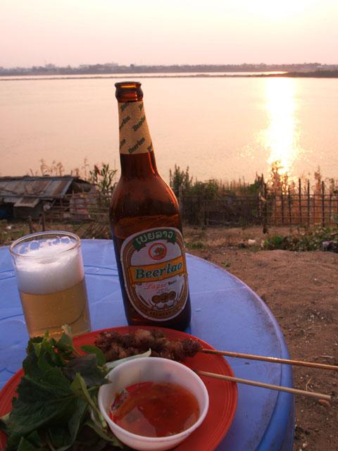 ビアラオとメコンの夕日