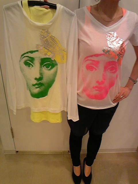 Hanni y Tシャツ