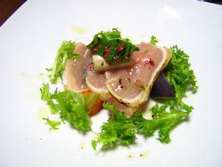 能登鶏のタタキと温かい根菜サラダ