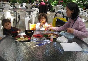 lunch090328.jpg