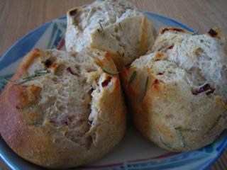 ドライハーブドライプチトマトのパン090823
