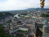 ホーエンザルツブルグ城塞からザルツブルグの町を一望2