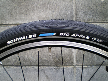 SCHWALBE BIG APPLE 29×2.35