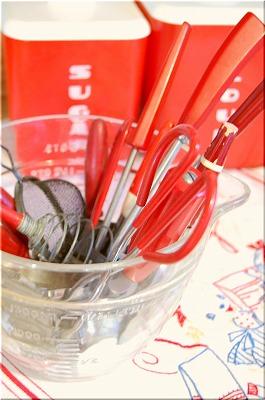 red kitchen1