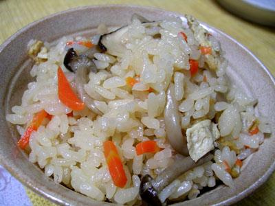 081015サンマ、松茸ご飯、味噌汁、巨峰 003