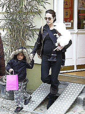 Angie_Kids-Shopping-in-Germany.jpg