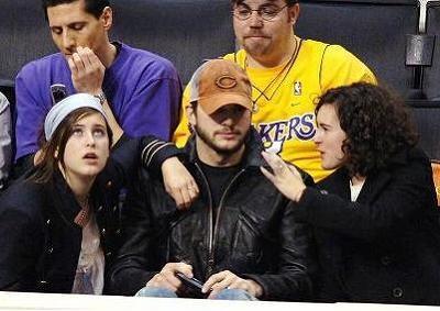 Ashton_Kids_Lakers-Game3.jpg