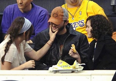 Ashton_Kids_Lakers-Game6.jpg