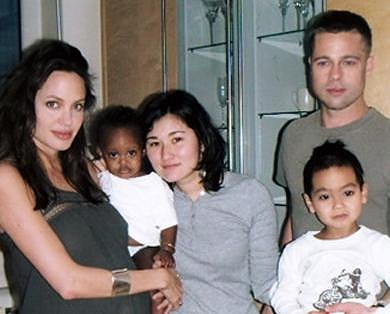 Brangelina_Family-Photo.jpg