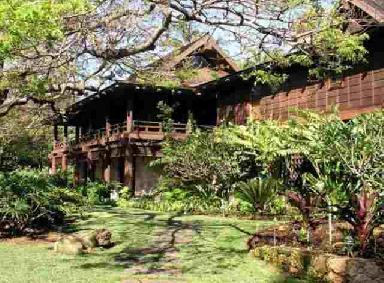 Brit_New-House-in-Hawaii11.jpg