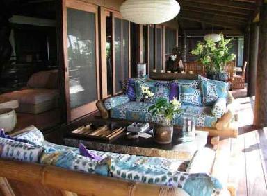 Brit_New-House-in-Hawaii2.jpg