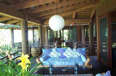 Brit_New-House-in-Hawaii8.jpg