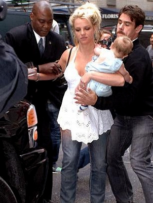 Britney_Almost-Drop-SeanP5.jpg