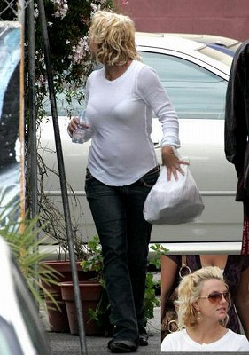 Britney_Back-to-LA3.jpg