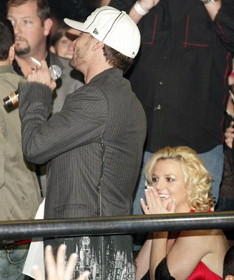 Britney_Kevin-at-Party9.jpg