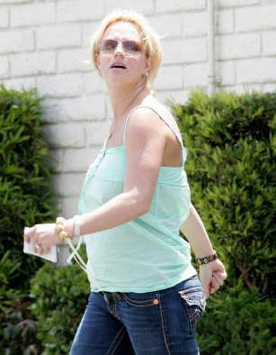 Britney_Taco-Bell2.jpg