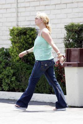 Britney_Taco-Bell3.jpg