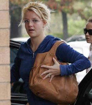 Britney_VS.jpg