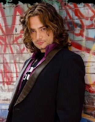 Constantine_Maroulis-The_Wedding_Singer3.jpg