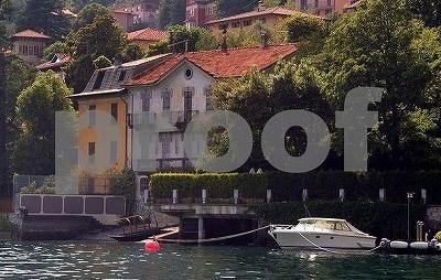 Geoge_Clooney_Villa-lakeCOMO3.jpg