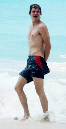 Hayden_Christensen_Barbados-Beach.jpg