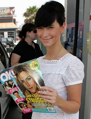 JenniferL_Magazine.jpg