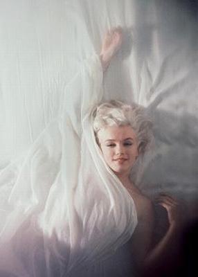 Marilyn_Monroe-Semi-Nude3.jpg