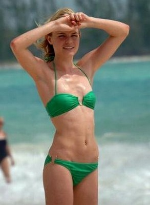 Orlando_Bloom-Kate_Bosworth_Beach13.jpg