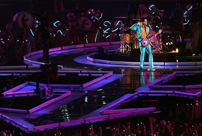 Prince_Super-Bowl_Half-Time-Show4.jpg