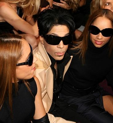 Prince_Versace-Fashion-Show4.jpg