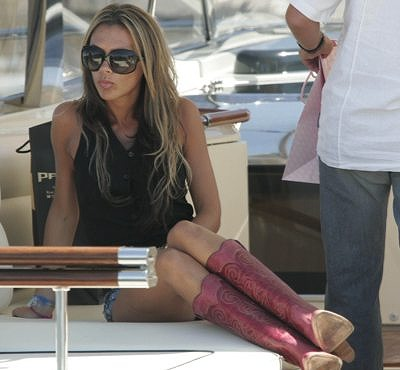 Victoria_Beckham_Boat.jpg