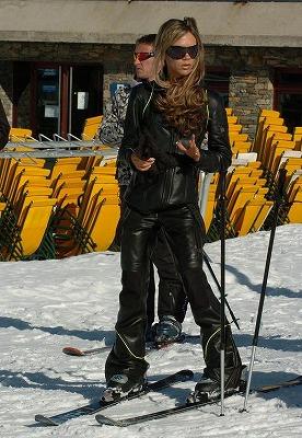 Victoria_Chanel-Ski-Wear3.jpg