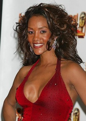 Vivica_A_Fox-Fake-Boob.jpg