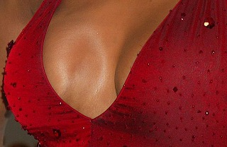 Vivica_A_Fox-Fake-Boob2.jpg