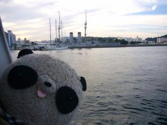 海から見た戦艦三笠