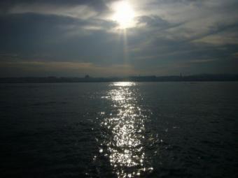 キレイな海と光