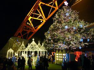 東京タワーはすごい人よー