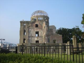 原爆ドーム裏から.jpg