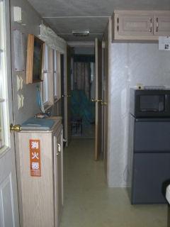 入口からベッドルーム.jpg