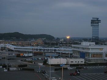 夜の大洗港