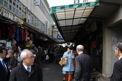 s-tsukijiichiba.jpg