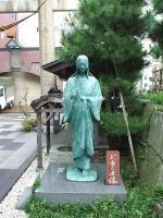 お市の方像(柴田神社内)